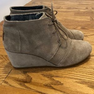 Toms Shoes - Toms Desert Wedge Boots Taupe